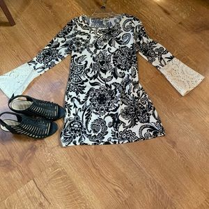 Cute and fun dress. Can also be worn as a tunic.